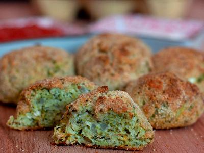 Albóndigas de brócoli y queso feta