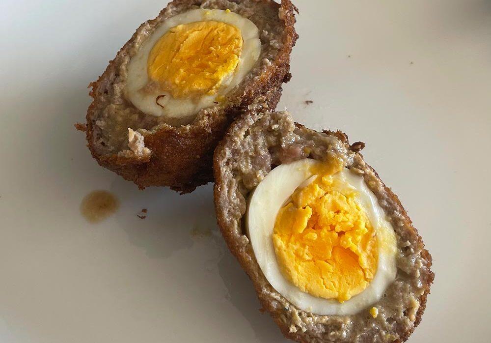 Ovos escoceses co seu toque galego